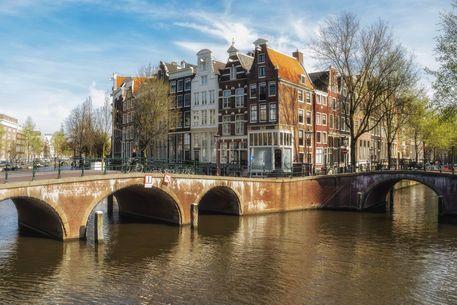 'Amsterdam - Herrenhäuser an der Keizersgracht' von Thomas Seethaler bei artflakes.com als Poster oder Kunstdruck $16.63