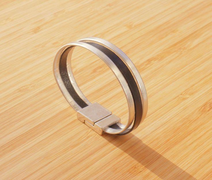 Bracelet lanières de cuir véritable noir et argenté : Bracelet par ...