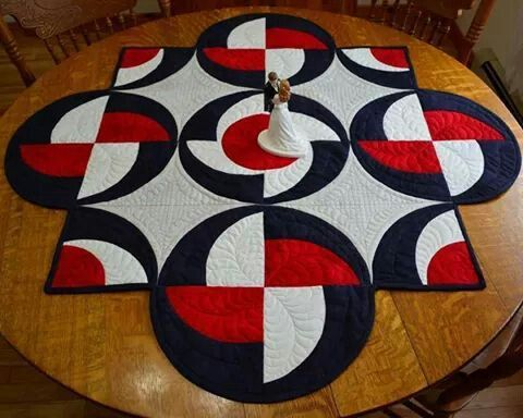 2509 best red white black quilts images on pinterest for Round table runner quilt pattern