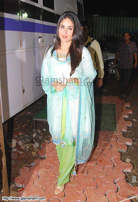 Indian actor Kareena Kapoor in a colorful Salwaar Kameez on TV Show India's Got Talent in Aug, 10