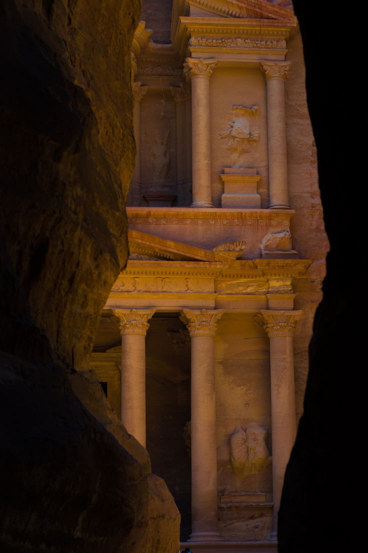 https://flic.kr/p/PJem84 | Hide and Seek (Treasury) | The most pictured and memorable structure in Petra.