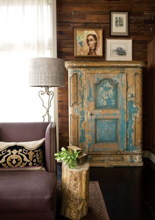 love the blue distressed look of the cupboard!