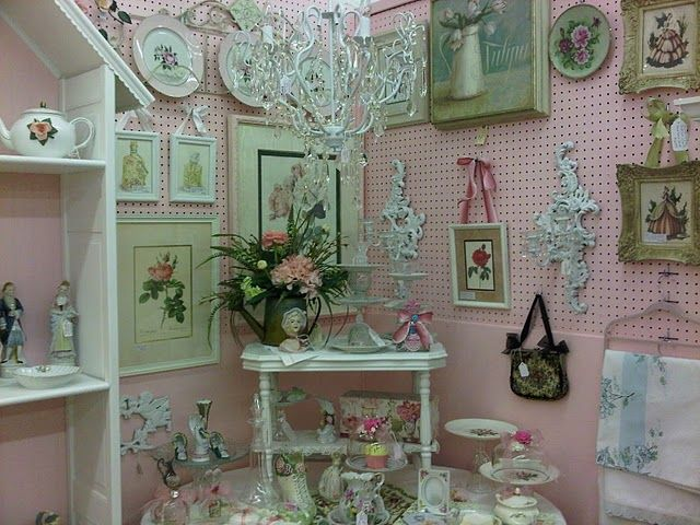 french shabby chic wall paint colors | Pretty In Pink: Painting Your Antique Mall Booth Space Walls PINK