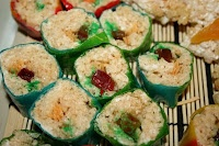 Wake up lunch time with Rice Krispies Treats!Candies Sushi, Kitchens Sushi, Fun Treats, Sushi Recipe, Krispie Treats, Candies Recipe, Susieqtpi Cafes, Rice Krispie, Rice Crispy Treats