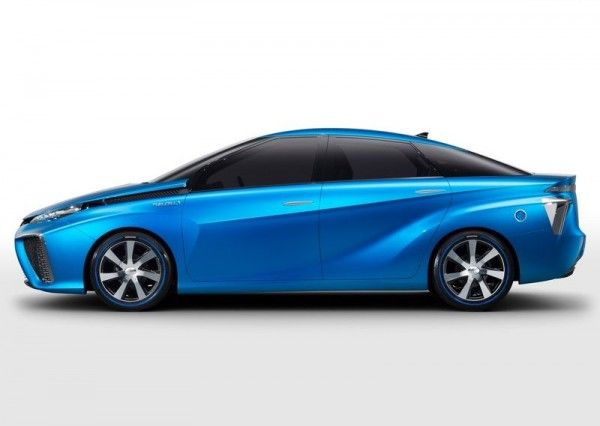 2013 Toyota FCV Images1 600x426 2013 Toyota FCV Reviews