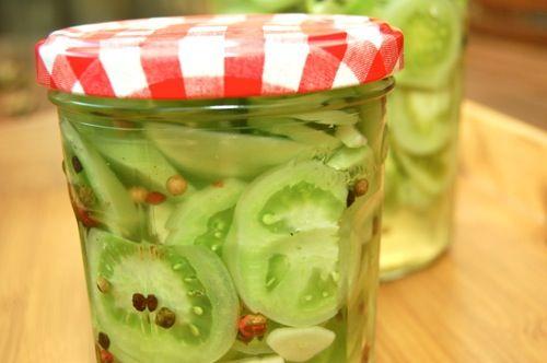Ingemaakte groene tomaten