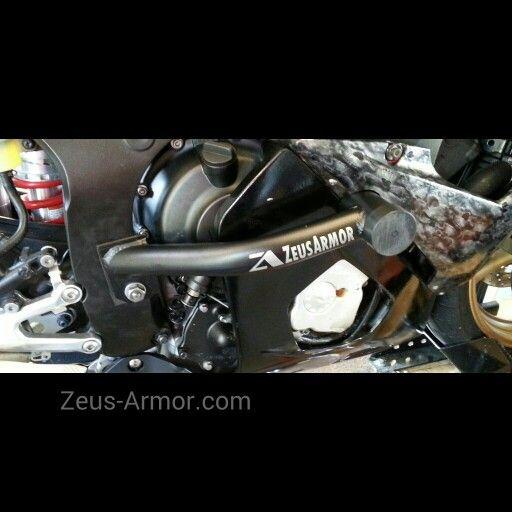 ZeusArmor Heavy Duty R6S SpeedArmor Rails in satin black powdercoat available at http://zeus-armor.com #zeusarmor #dowork #yamaha #r6s #r6 #sliders #rails
