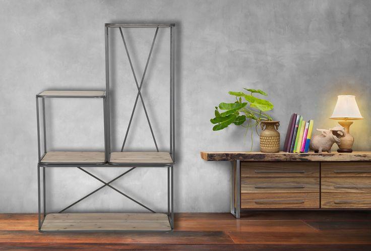 Modulo per libreria componibile in legno di abete e ferro.