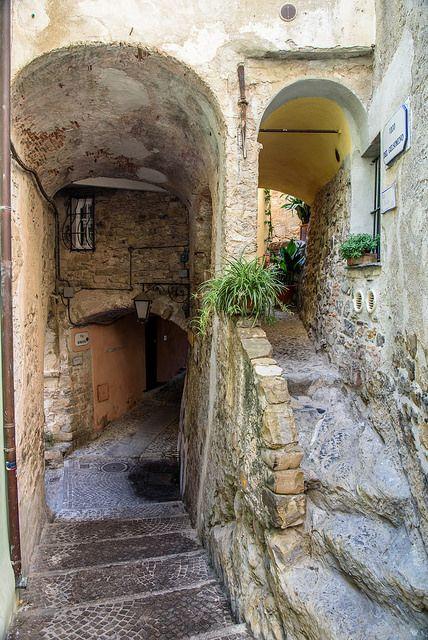 Cervo Liguria Italia | par bautisterias