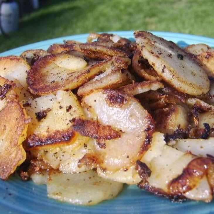Uncle Bill's Fried Potatoes and Onions. I do this already, but I like the photo too ~ appetizing!