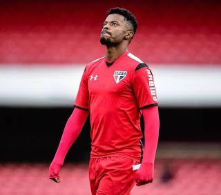 Blog Esportivo do Suíço:  Diretor de futebol do São Paulo confirma saída de Michel Bastos
