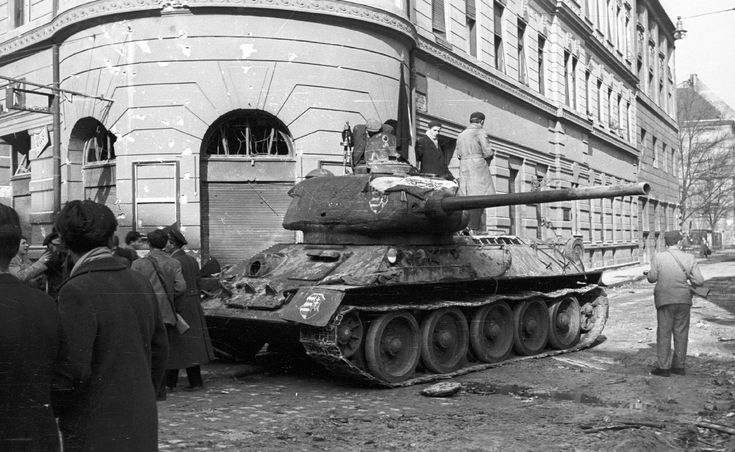 Ilyen tankokat szívattak meg a pécsiek