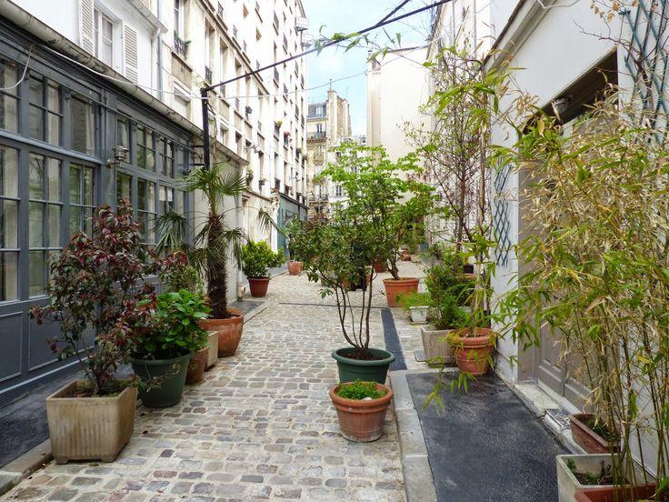 Parisian touch: La Cour Saint-Pierre, la pépite de l'avenue de Clichy 17eme