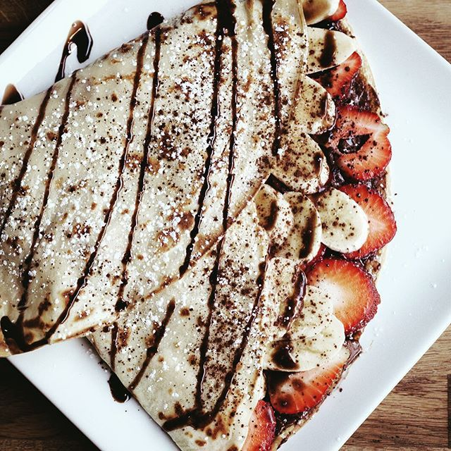 #cacao70 Chocolate is the answer, who cares what the question is. Nutella and Fruit Crêpe. #goodmorning #montreal #ottawa #sherbrooke #chocolate