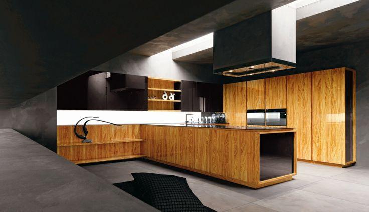 Ecco la #cucina componibile #YaraVip by Cesar Cucine & Living! Il modello di punta della Cesar si veste ora di nuove e raffinate essenze quali l'olivo, il palissandro, l'ebano e l'eucalipto; e di splendidi marmi come il Calacatta, il Trigages e il marmo di Carrara.  La #cucina Yara Vip risponde alle esigenze di un pubblico evoluto e di classe! Per info: http://www.valentiniarredamenti.it/
