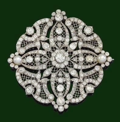 An old-cut diamond brooch total weight c. 15 ct; this has to be Edwardian/ Belle epoch...just gorgeous.