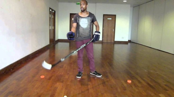 Hockey Stickhandling Basics For Beginners With Off Ice Hockey Drills & Exercises For All :http://www.hockeytutorial.com/ice-hockey-tips/hockey-stickhandling-basics-beginners-ice-hockey-drills-exercises/