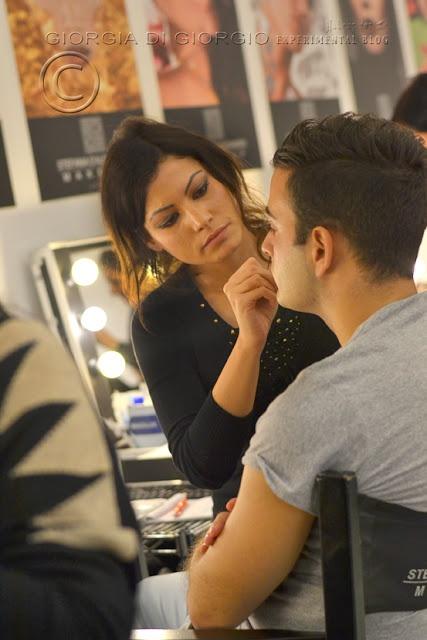 Miei cari lettori,  Grazie a Stefania ho avuto l'opportunità di realizzare un incredibile Reportage fotografico, dedicato al Workshop Drag Queen Make-up che si è tenuto alla scuola di Roma il giorno 12 novembre.