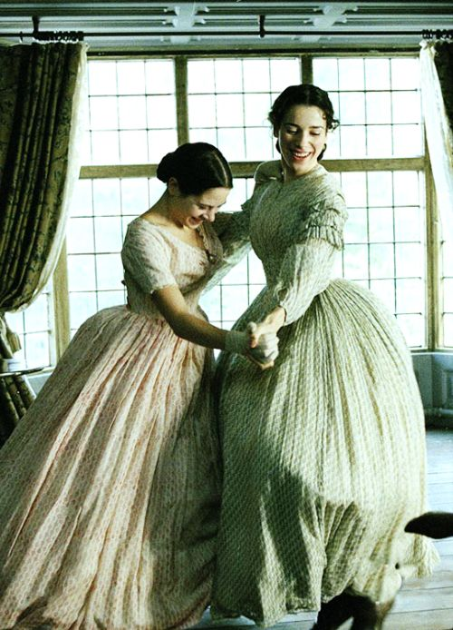Elaine Cassidy & Sally Hawkins in 'Fingersmith' (2005).
