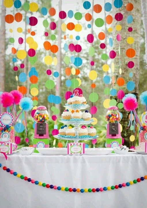Use gumballs as decoration for the perfect polka dot party!