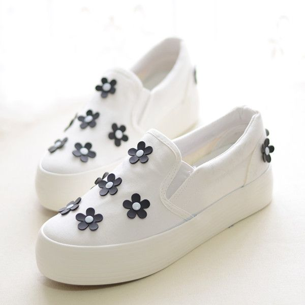 Find More   Information about 2014 new womens flats shoes low platform casual canvas small flower flat heel lazy foot women's black sneakers size 35 39   5,High Quality  ,China   Suppliers, Cheap   from ATT store on Aliexpress.com