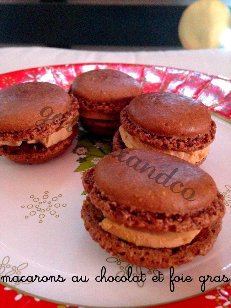 Des macarons pour le réveillon garnis de foie gras, le tout accompagné d'une coupe de champagne ! Ingrédients : 125 g de poudre d'amande 205 g de sucre glace 3 blancs d'oeufs 1 pincée de sel 65 g de sucre en poudre 25 g de cacao non sucré Préparation...
