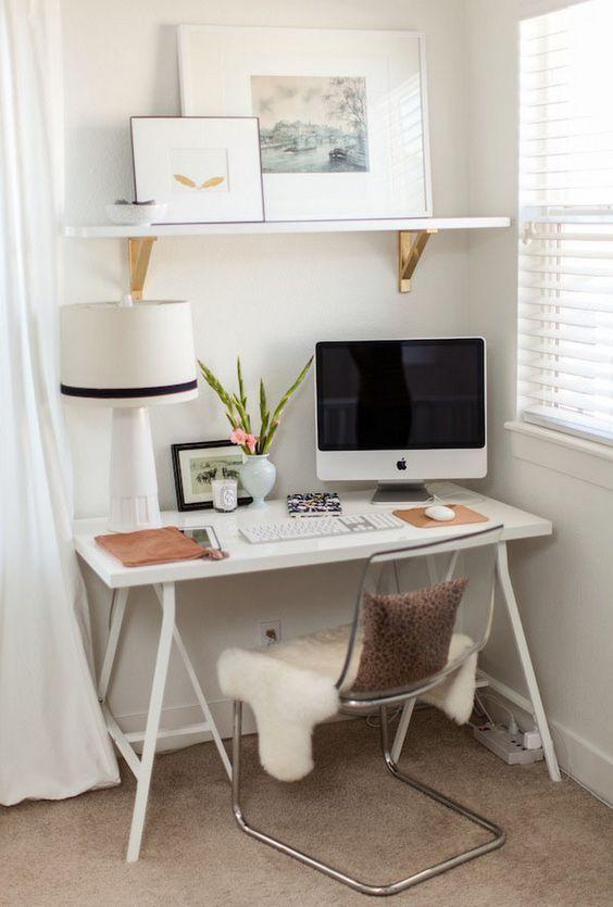 Компактный мини-кабинет дома: идеи для маленьких квартир