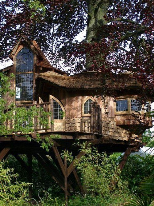 This treehouse is nicer than my house-house.