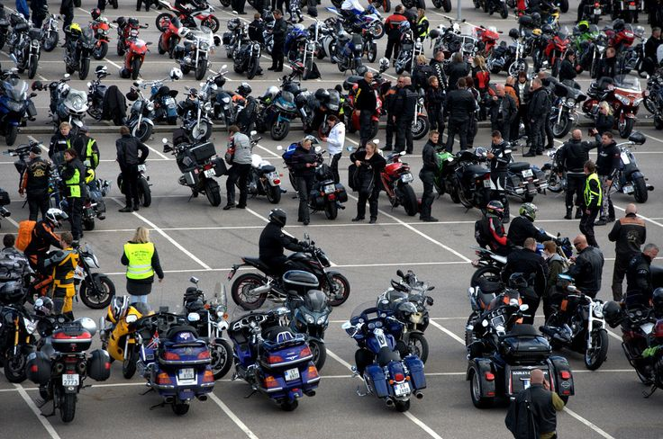 Odins mor om MC-parade mot mobbing i dag: – Nå har jeg grått i en time - Mobbing - VG