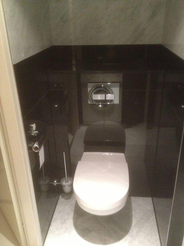 VanDenBoomBouw: Natuurstenen badkamer renovatie