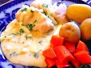 Kokt fisk med äggsås (kock Anette Rosvall och Emma Hamberg)