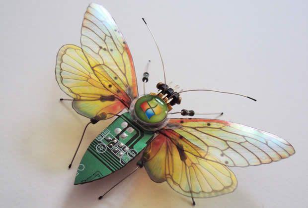 De superbes insectes faits en... pièces d'ordinateurs
