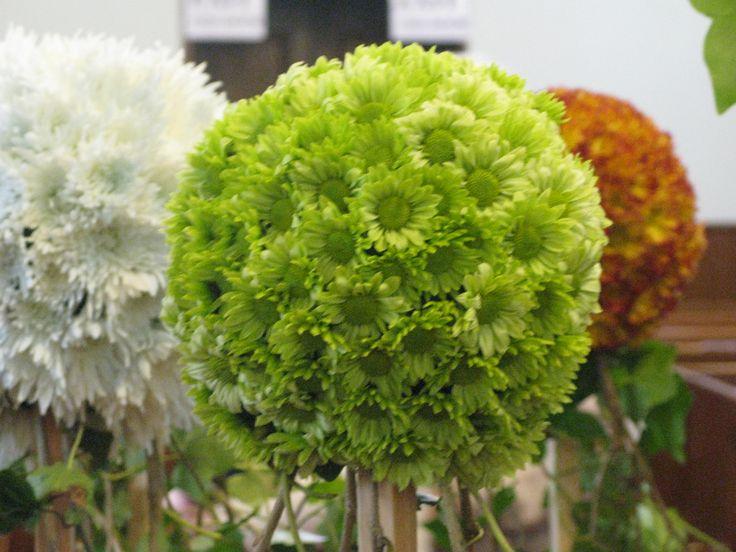 Chrysanthemum balls made using round oasis floral foam - Mattress made of balls ...