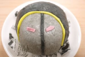 ファミマ×キン肉マン第1弾「ウォーズまん(ブラックカレー味)」 http://entabe.jp/news/article/3195