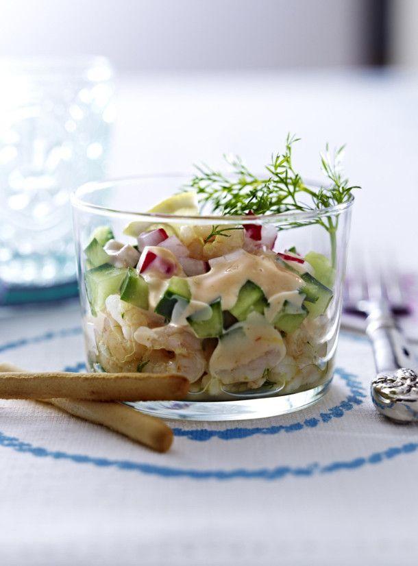Unser beliebtes Rezept für Gurken-Radieschen-Cocktail mit Eismeergarnelen und mehr als 55.000 weitere kostenlose Rezepte auf LECKER.de.