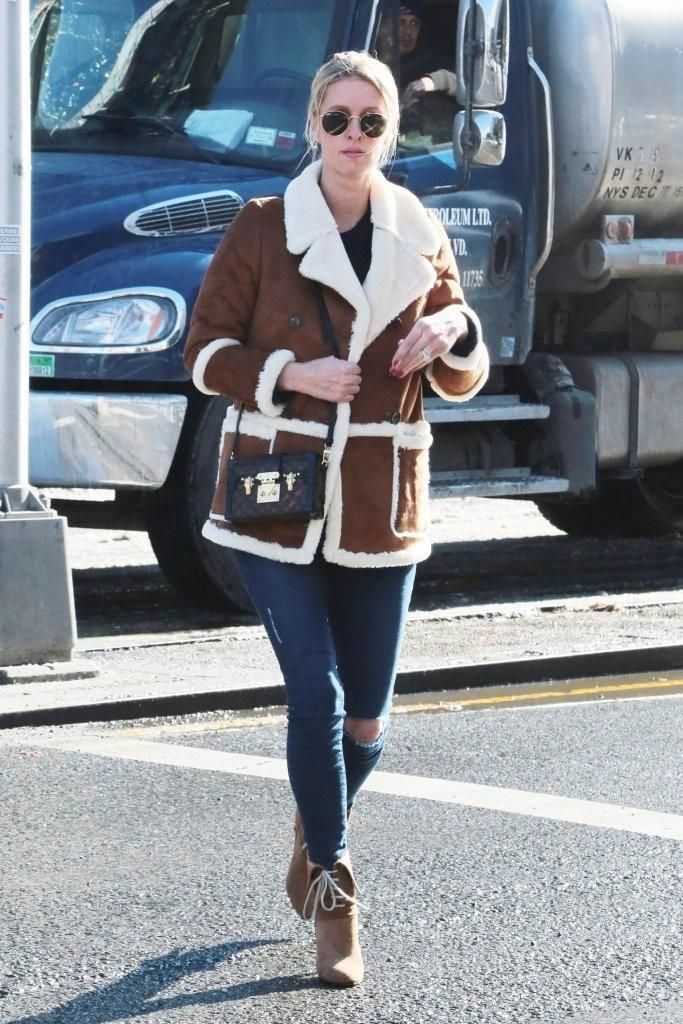 Nicky Hilton wearing Chloe Catlyn Short Boots, Frame Le Skinny De Jeanne in Runyon Canyon, Louis Vuitton Petite Malle Bag and Ray-Ban 50mm Rounded Sunglasses