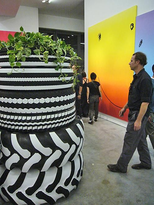 1000 images about recycled tyre ideas for the garden on for Using tyres as planters