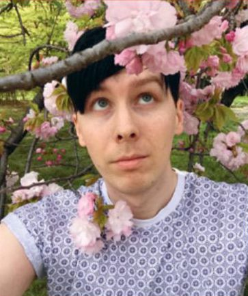 Anyone that says Phil isn't pretty just show them this, or any photo really.