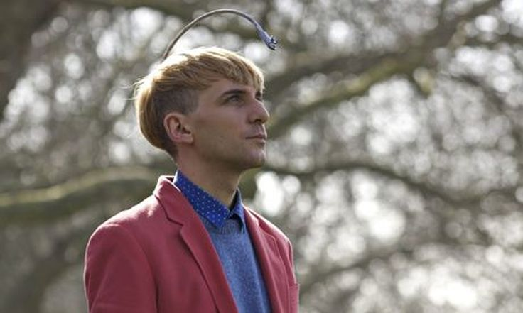 Thanks to the antenna implanted in his skull, Neil Harbisson can hear images and paint sounds.