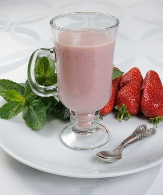 I don't like to have strawberry as a fruit or in my salad, but as milkshake I love to have it. As all berries are good for your skin but here in India other berries are rear to available only strawberry easily available in any fruit shop but not all like its taste like me... :P So, why not this milkshake??? Easy to made and tasty too, also two good things a strawberry and a milk. So, what are you thinking go and get the strawberry from your near fruit store and make this chilled, yammy…