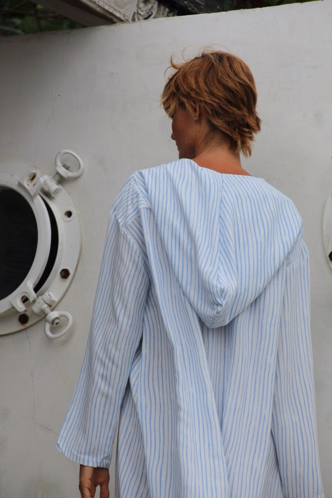 Zoe hooded shirt in blue stripe