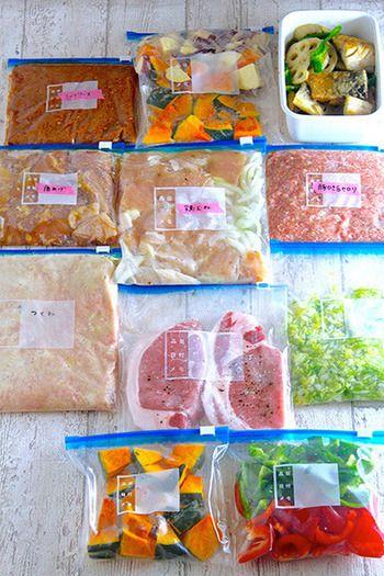 お肉や魚はまとめて買って、下味をつけて冷凍しておくと、帰ってからまな板や包丁を出さなくても、すぐに調理ができるのでとっても便利。時短で心のゆとりも生まれそうですね。