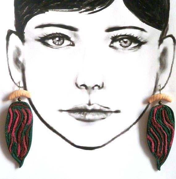 Green magenta earrings niobium wire polymer clay leaves dark green fuchsia long leaf earrings by Lijoux