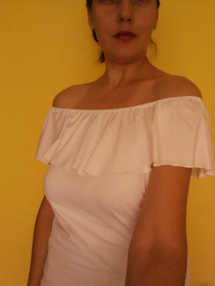 Share the joyTrebuie sa recunosc ca intotdeauna mi-au placut bluzele cu umerii goi, mi se par ca sunt feminine, sexy si ca vei intoarce multe priviri daca accepti provocarea de a purta o asemenea bluza. Pentru ca nu aveam in garderoba proprie o asemenea bluza m-am decis sa imi cumpar una chiar daca vara sa …