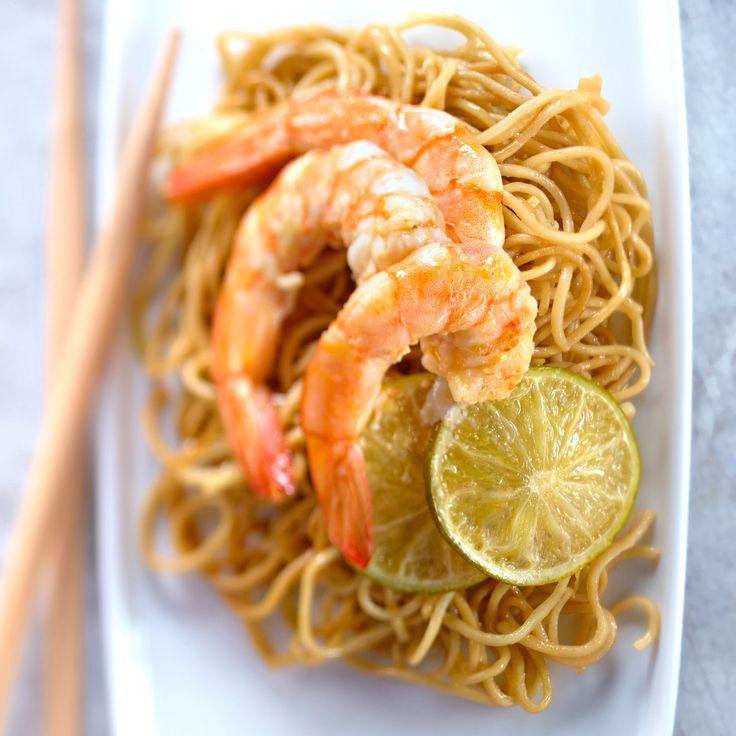 Découvrez la recette des nouilles sautées aux crevettes et gingembre