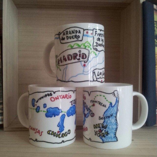 Tazas personalizadas de  Toronto y Madrid. Pintadas a mano por Avi para Taller 35.  #taller35 #regalos #tazaspersonalizadas