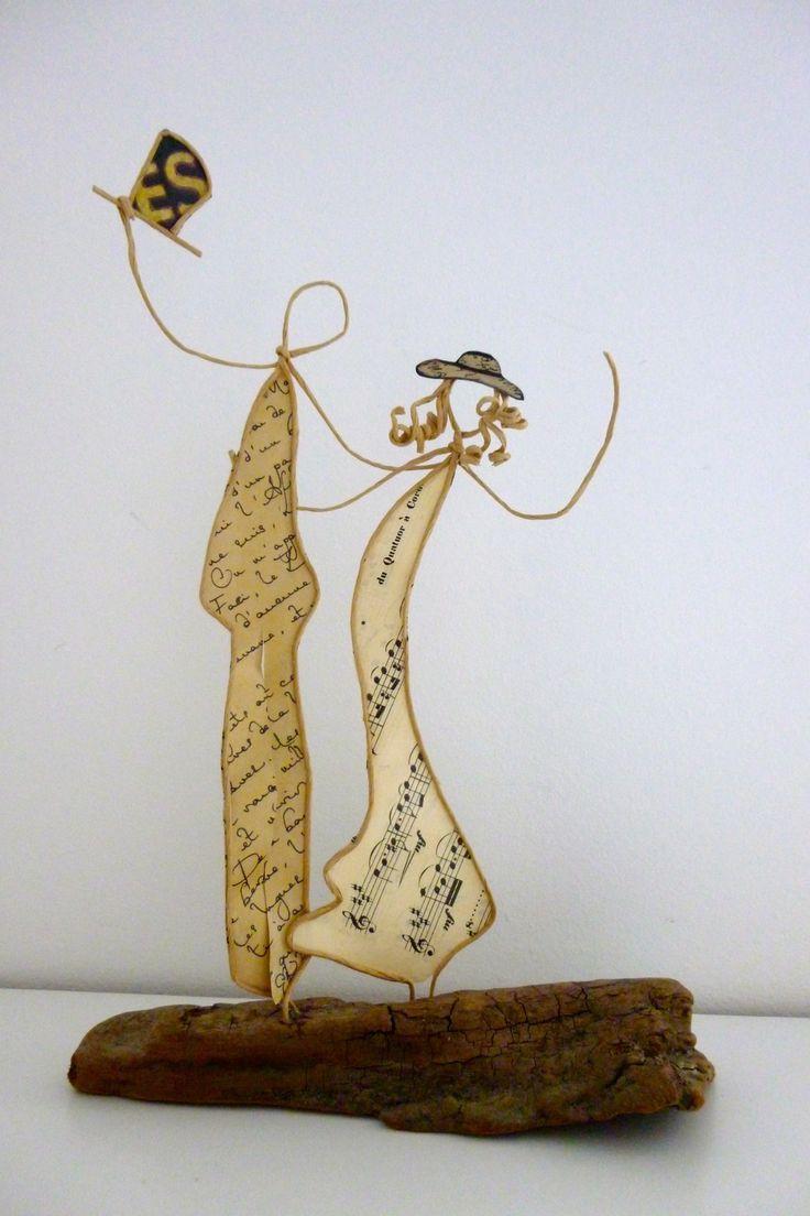 Les mariés - figurines en ficelle et papier
