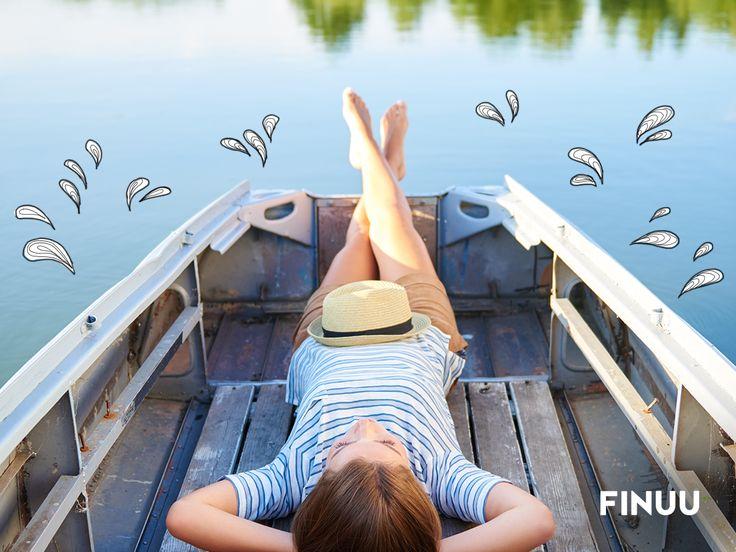 Czas na relaks! Świętujemy Dzień Śpiocha, podczas którego największy miłośnik spania w Finlandii jest wrzucany do wody. Zamiast zimnej kąpieli, proponujemy Wam odpoczynek nad wodą. ;) 💦 💦 #finuu #finlandia #finland #tradycje #ciekawostki