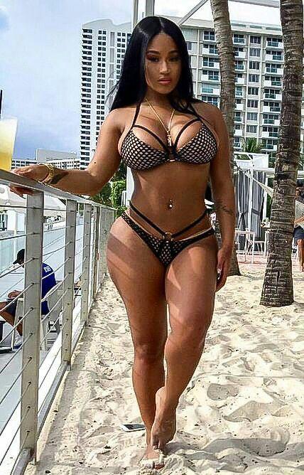 girls nude cuban Hot latina