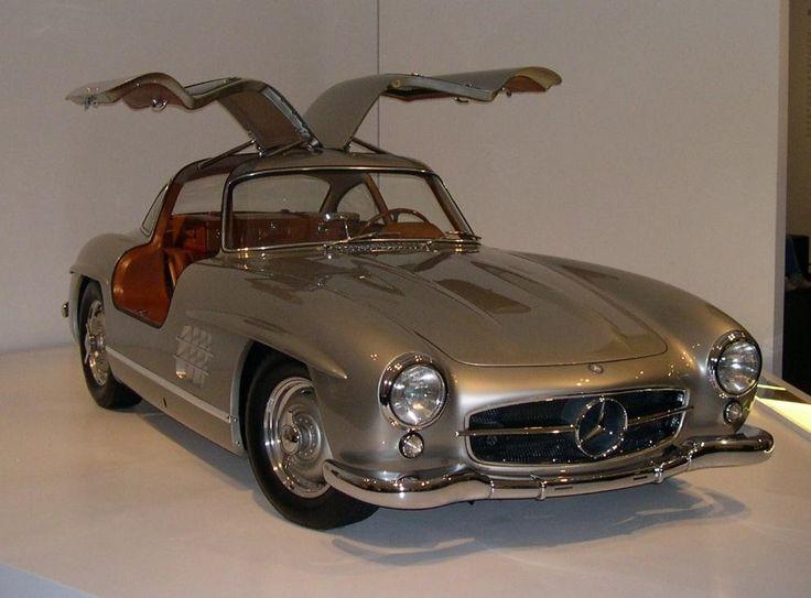 """Mercedes-Benz 300 SL """"Gullwing"""" (W198) - Silver Exterior, Tan Interior"""